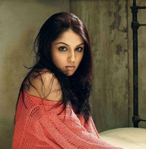 Lekha Washington (Actress) Profile with Bio, Photos and Videos - Onenov.in