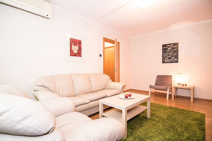 Fully-serviced apartment in the middle of Bucharest. Low price and high comfort!