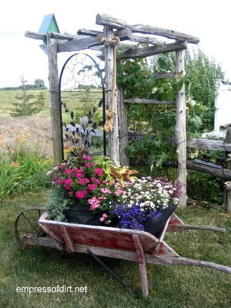 30 Jardin idées de conteneurs | Brouette planteur
