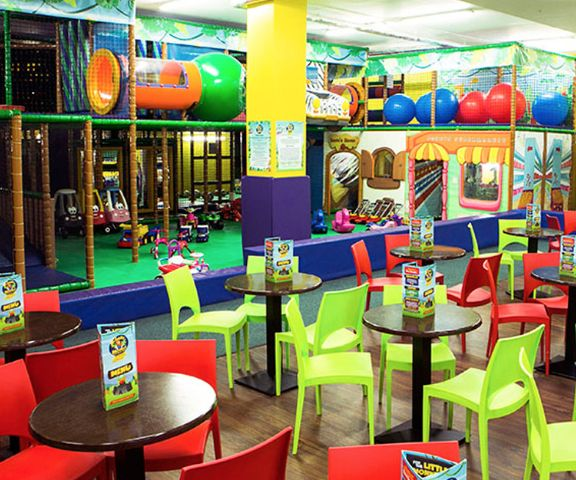 A shopping centre with a play centre. Perfect. Review it on yourdaysout.com