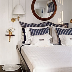 Nautical room - great for a beach house.