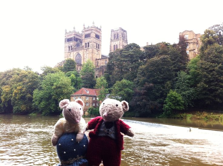 Mousetons enjoying a slice of Cathderal City cheddar #MousetonMania
