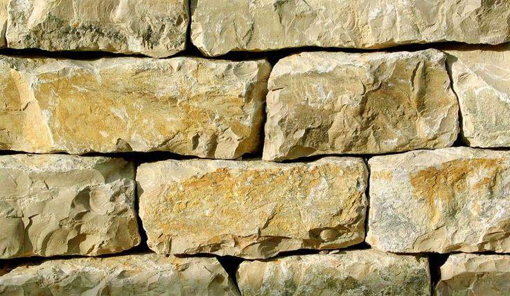 Wir bieten Ihnen Natursteine für den Innen- und Aussenbereich. Wir führen Travertin, Muschelkalk, Jura-Marmor, Extrem-Marmor, Quarzit, Granit und Gneis.