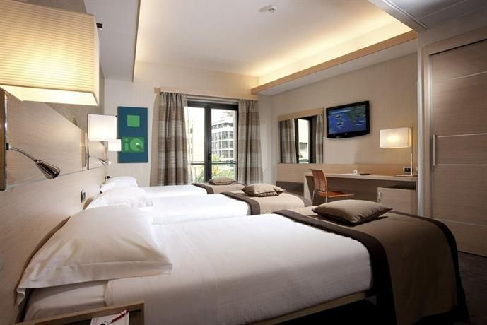 HotelFinder - Iq Hotel Roma