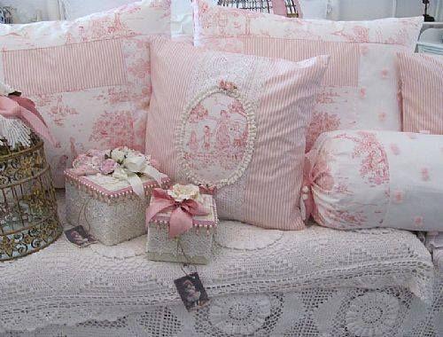 les 47 meilleures images propos de coussins shabby sur pinterest. Black Bedroom Furniture Sets. Home Design Ideas