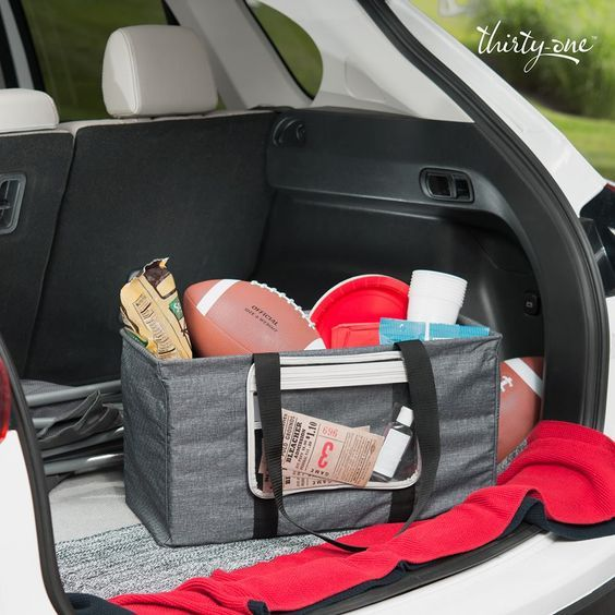 Gear up for the big game with all of your tailgating supplies in one place! #ThirtyOneGifts #LargeUtilityTote #CharcoalCrosshatch #PocketATote #Organization #PersonalizationStudio