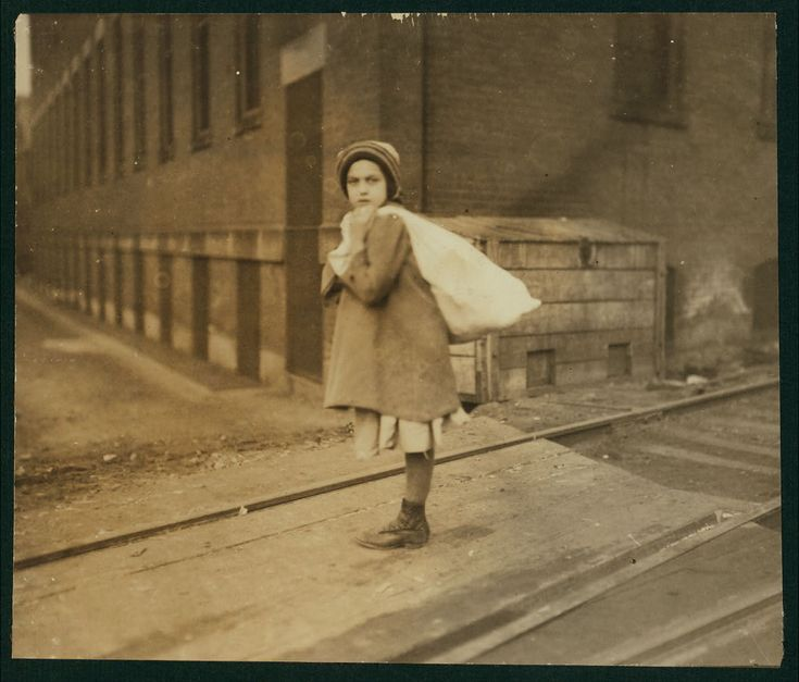 Nearly 9 A.M. Girl (about 8 years old) carrying sack of hose supporters home, a long distance and she had to run to get home in time for school. Up hill and tiring work, resting frequently. (See also Report.) Witness F.A. Smith. Location: Worcester, Massachusetts.