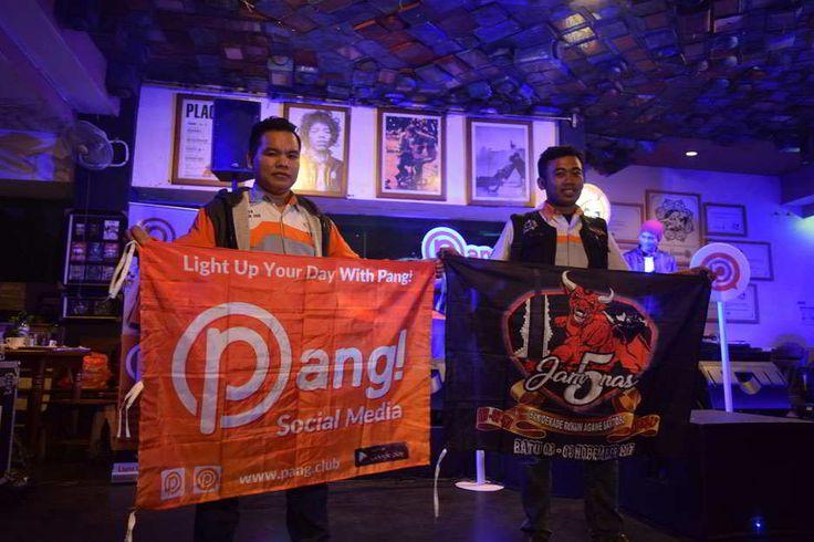 Ini Keseruan PANG! Road To Cafe di Ria Djenaka Malang https://malangtoday.net/wp-content/uploads/2017/08/Keseruan-PANG-Road-To-Cafe-di-Ria-Djenaka-Malang-Sem.jpg MALANGTODAY.NET – Ria Djenakajalan Bandung, Sabtu (5/8) malam disulap oleh sosial media PANG! layaknya acara party kaum milenial dan generasi z. Dentangan musik dj dari atas lantai dua Ria Djenaka menambah hingarnya malam ini. Setyo Anggoro, penanggung jawab PANG! road to cafe... https://malangtoday.net/m