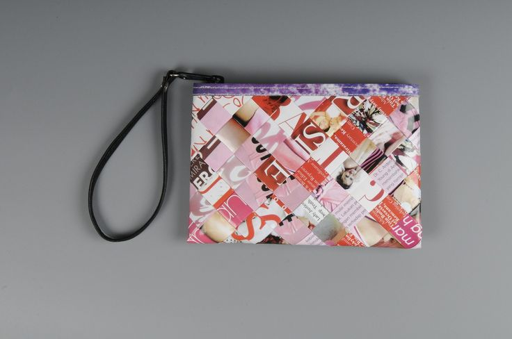 Small zip clutch using pink magazine