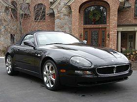 """l Maserati Coupé y Spyder ( Tipo M138 ) son grandes turismos [1] [2] producido por el fabricante italiano Maserati de 2001 a 2007. Ahora han sido sustituidos por el GranTurismo . [3] Las dos placas de identificación se refieren a la de cuatro plazas coupé y biplaza roadster versiones, respectivamente. Ambos modelos se basan en la 3200 GT , [4] [5] que fue vendido en Europa , pero no en el de Estados Unidos . Debido a la naturaleza confusa de los nombres de """"Maserati Coupé"""" y """"Maserati…"""