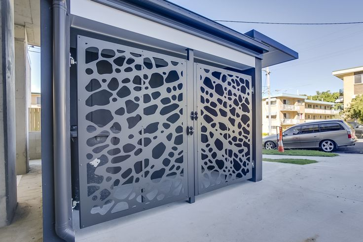 Portas pivotantes - Portões de garagem eletrônicos e basculates - Projetamos, produzimos e instalamos - (61) 3234-9426