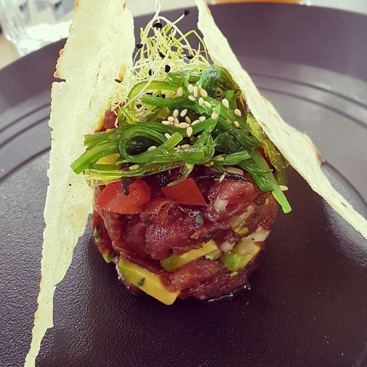 #cenandoconangela Tartar de atún con aguacata y algas wakabe @pipaandco #restaurantesmadrid #restaurantesdemadrid