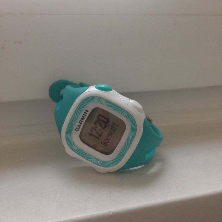 avis-garmin-forerunner-15-garmin-forerunner-15-montre-gps-running-course-a-pied-avis-montre-garmin, mon avis sur la montre GPS garmin forerunner 15, cardiofréquencemètre, quel cardiofréquencemètre choisir, Runalyzer blue avis, comment choisir son cardiofréquencemètre, comment choisir sa montre de running, montre de course à pied GPS, montre de running Garmin, avis montre de course à piedgarmin-forerunner-15-montre-gps-running-course-a-pied-avis-montre-garmin