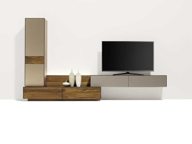 Special effect. With the new mount you can also hang the reduced depth home entertainment units on the wall. | TEAM 7