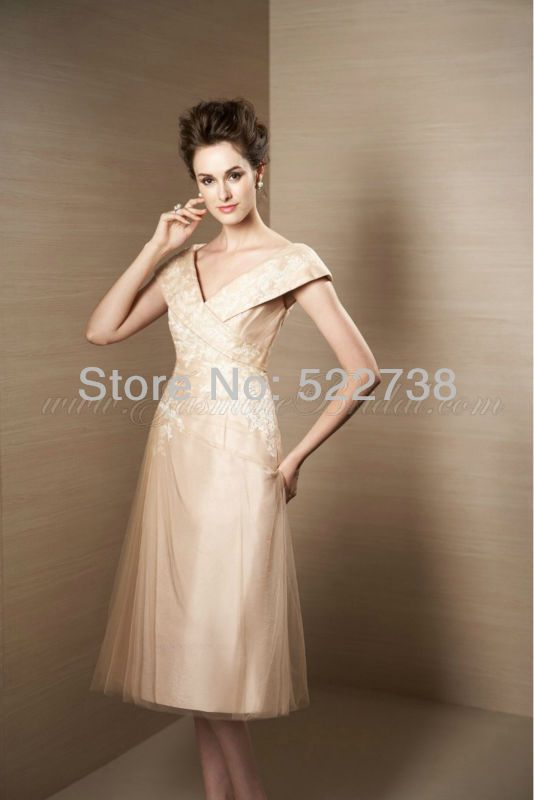 Free shipping short sleeve champagne chiffon mother of the bride dresses knee length 2013 mother of the bride dresses plus size $146.00   In another color!