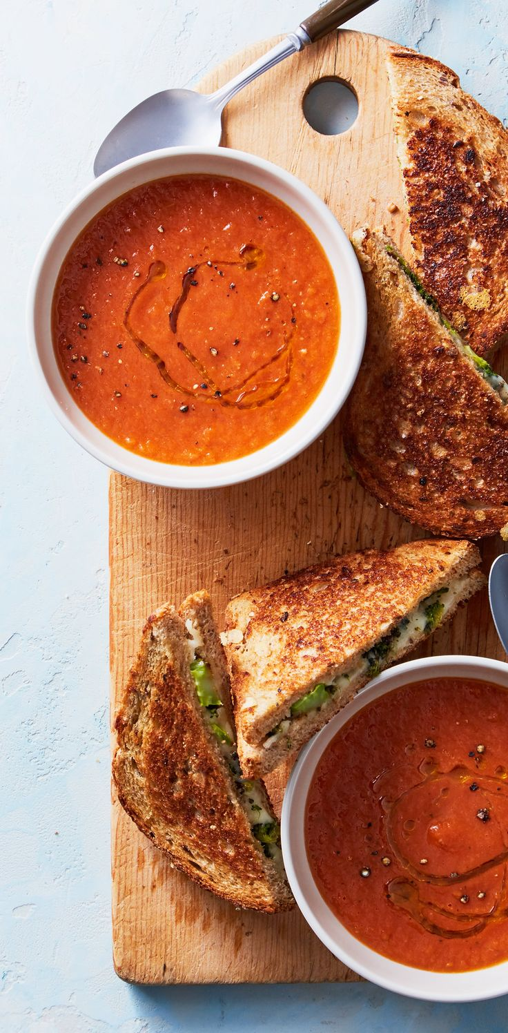 Nothing beats the classic pairing of grilled cheese and tomato soup - except grilled cheese stuffed with roasted broccoli for an added layer of crunch and vegetables! Sign up for Martha & Marley Spoon meal kit deliveries for new twists on your favorite recipes!