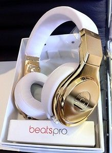 24 ct gold plated beats by dre headphones. www.STATEOFCHIC.com