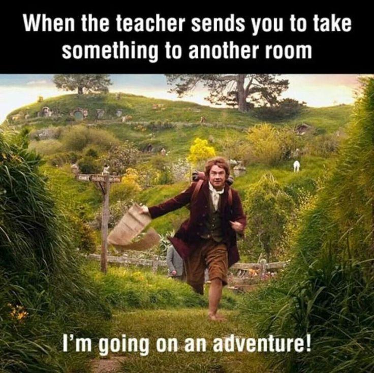 cuando un maestro te manda a buscar algo de otro curso: ME VOY DE AVENTURA! :3 :D