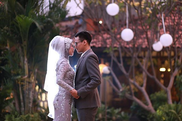 The good things in life are better with you   #atrifalah #hijabbride #hijabwedding #aliencophoto #weddinghijabstyle
