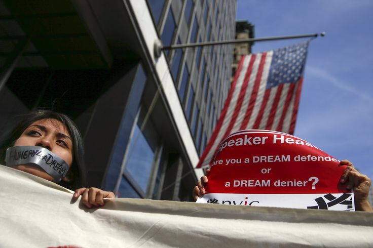 Republican States Threaten to Sue Trump Over Obama Immigration Policy