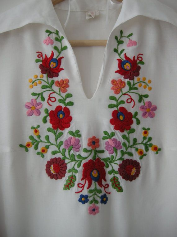 1950s vintage beautiful Hungarian handmade blouse
