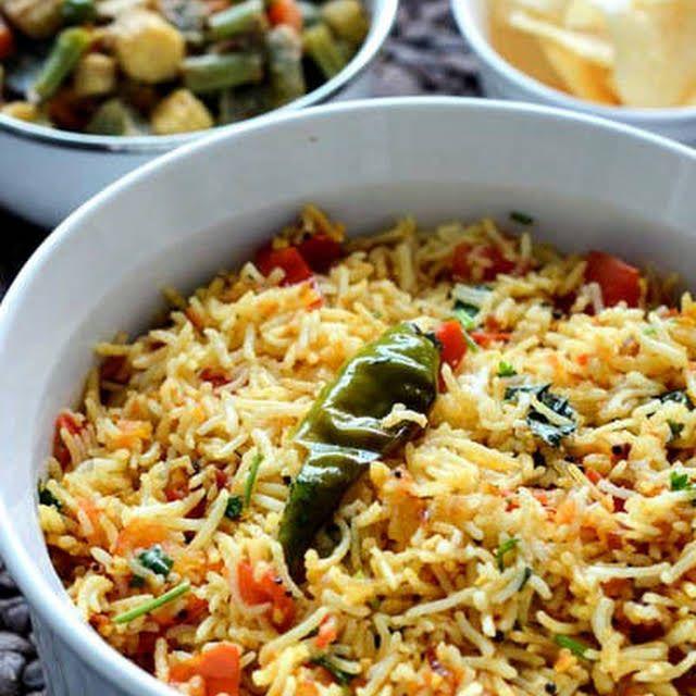 Tomato Rice Recipe Thakkali Sadam Recipe Tomato Rice Tomato Rice Recipe South Indian Indian Food Recipes