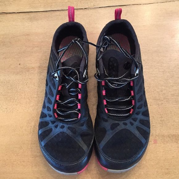 Merrell Nice pair of black and hot pink Merrill shoes in very good condition.  Women's size 8 Merrell Shoes Athletic Shoes