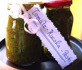 Rezept Tomaten-Rucola-Pesto von AnitaZ1972 - Rezept der Kategorie Saucen/Dips/Brotaufstriche