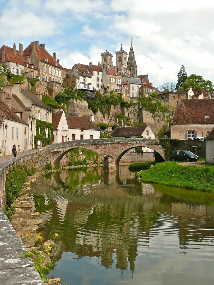 Auxerre,France ✿✿✿✿✿✿✿✿✿✿✿✿✿✿✿ Un séjour dans cette ville pittoresque ça vous dis ? http://www.cerise-hotels-resorts.com/fr/cerise-auxerre-presentation.html