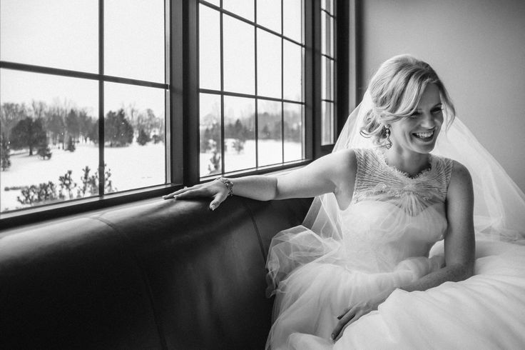 ARTISTS SALON & SPA - Beautiful bride Robyn Forbes Photography
