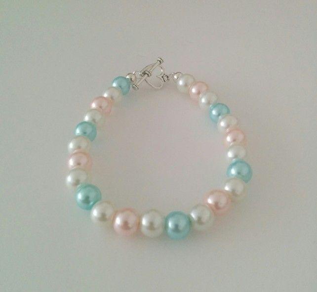 Glass pearl bracelet £5.99