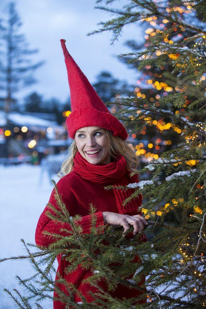 #piritadesign #huivit #scarves #skarfar #tucher #lapland #finland #linen #red #arcticcircle #napapiiri #pirita  #linen #knitwear #finnishdesign #lapland, #linendesign, #design, #dress #piritadesign #sodankylä #finland #scarves #huivi #kotimainen #suomalainentyö   http://pirita.fi/#1