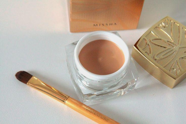 firma kokarda make up studio: Missha Signature Extreme Cover Concealer/ Missha Brushes.