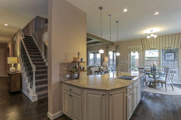 Gehan homes kitchen white cabinets white granite for Kitchen cabinets houston