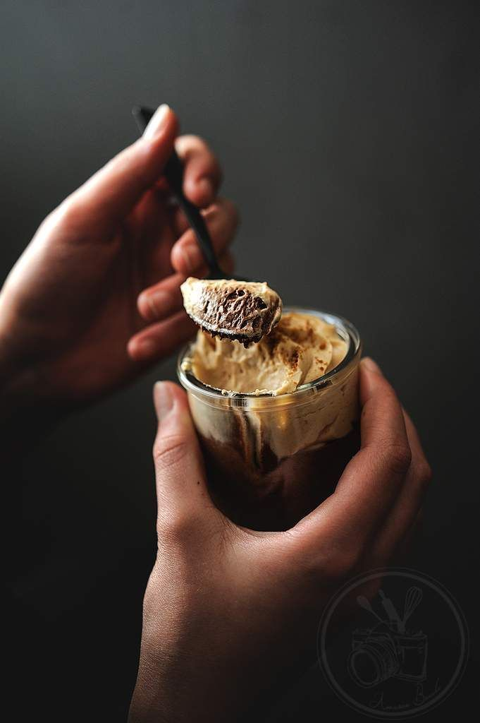 chocOlate mousse with speculoos cream