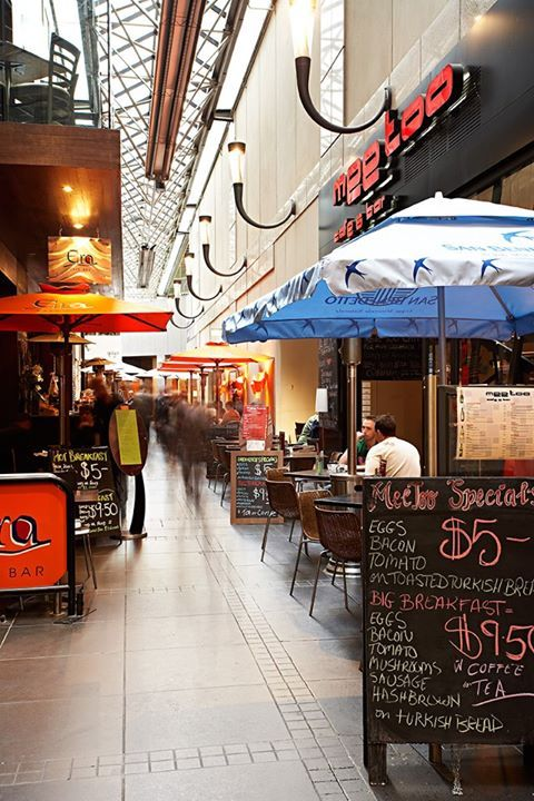Cafes in a laneway