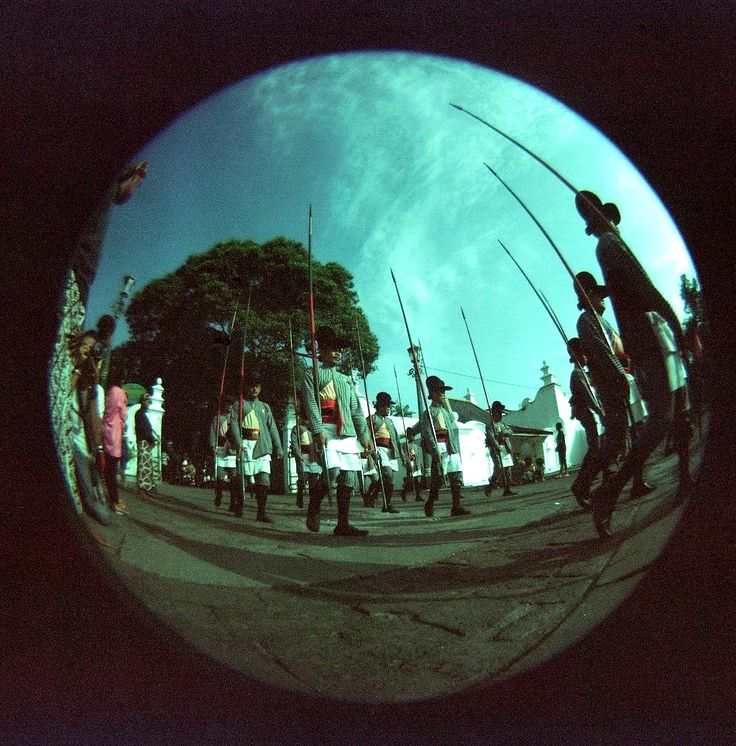 Grebeg Syawal Keraton Yogyakarta   Holga 120CFN + Fisheye Converter   Kodak Portra 160 VC
