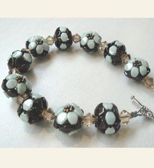 Pinch Bead Flower Beads