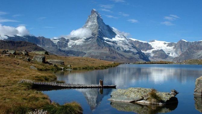 Stellisee mit Matterhornspiegelung - © Kurt Müller