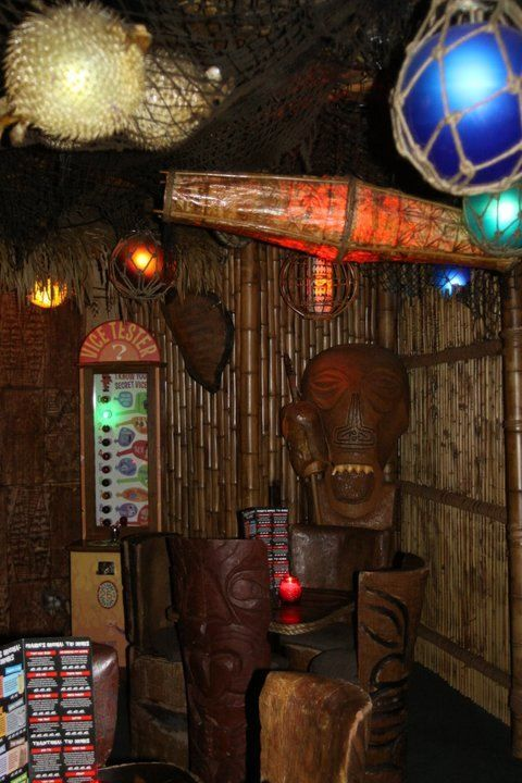 Frankie's Tiki Room | Critiki