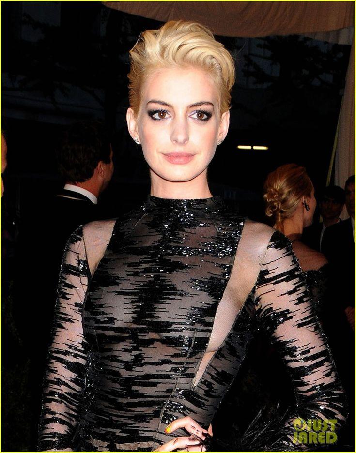 Anne Hathaway: Bleach Blonde Hair at Met Ball 2013