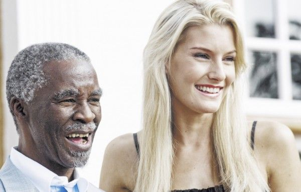 2006 Megan Coleman with the then Pres Thabo Mbeki. GALLERY: Miss SAs of the past decade | eNCA
