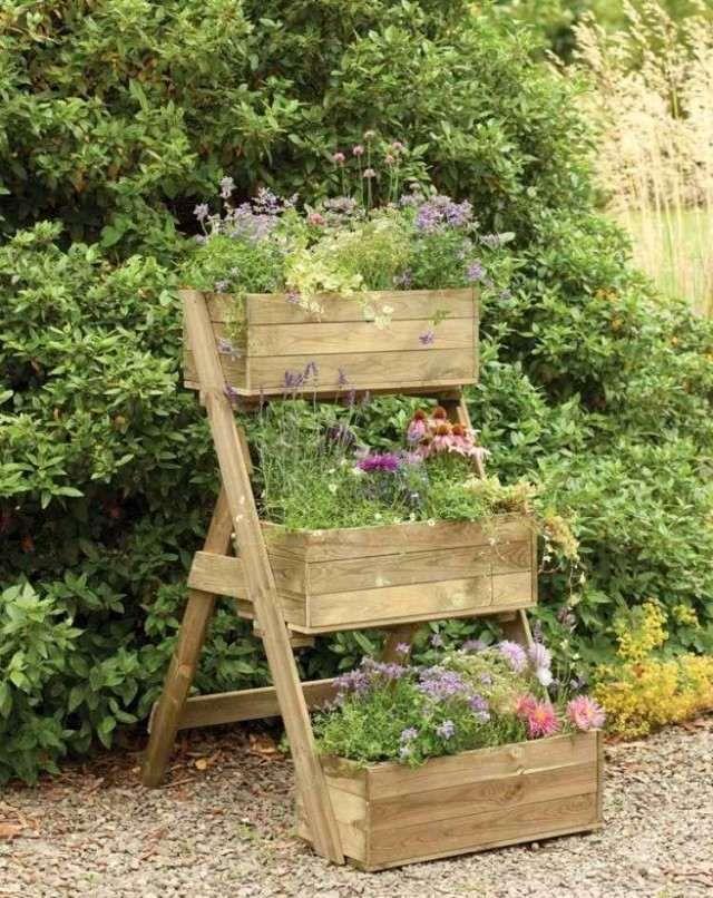 jardin vertical original à faire soi-même en lattes de bois