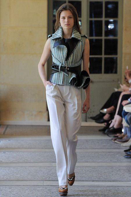 Bouchra Jarrar 2014 Couture Sonbahar Koleksiyonu - Şablonunu değiştirmeyen, Fransız duygusu ile tasarımlarını yaratan kendine özgü stili ile Bouchra Jarrar 2014 Couture Sonbahar Koleksiyonu;
