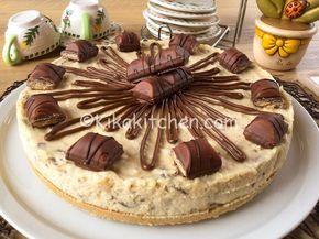 Cheesecake kinder bueno. Una base di biscotti tritati con crema kinder bueno realizzata con mascarpone, panna e crema bianca alle nocciole.