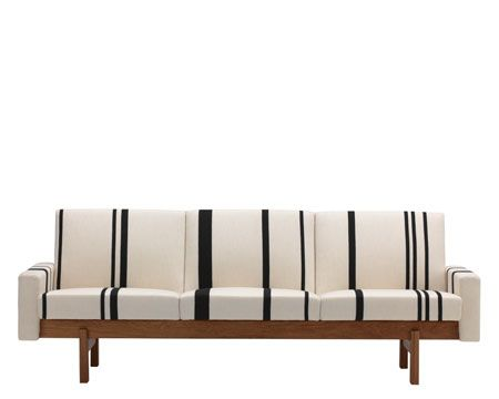 Accent Sofa from Swedese design Yngve Ekström.
