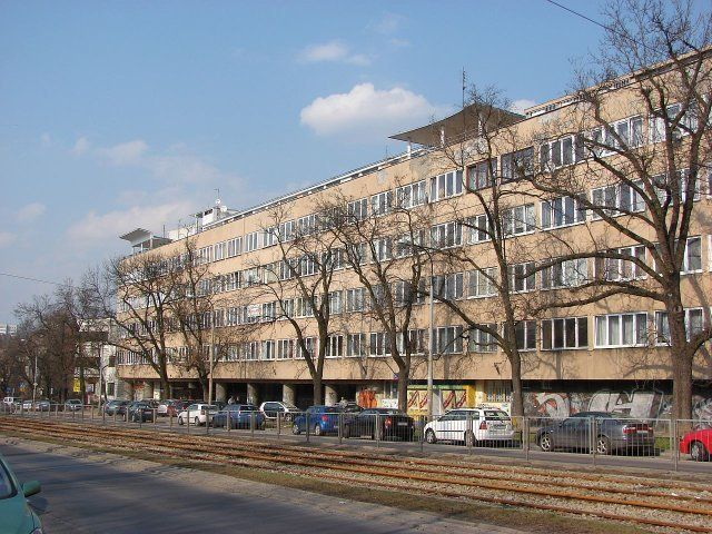 Residencial house Powszechnego Zakładu Ubezpieczeń Wzajemnych - Glazed House, at 34-36 Mickiewicza Street in Warsaw, 1937-39, by architect Juliusz Żórawski.