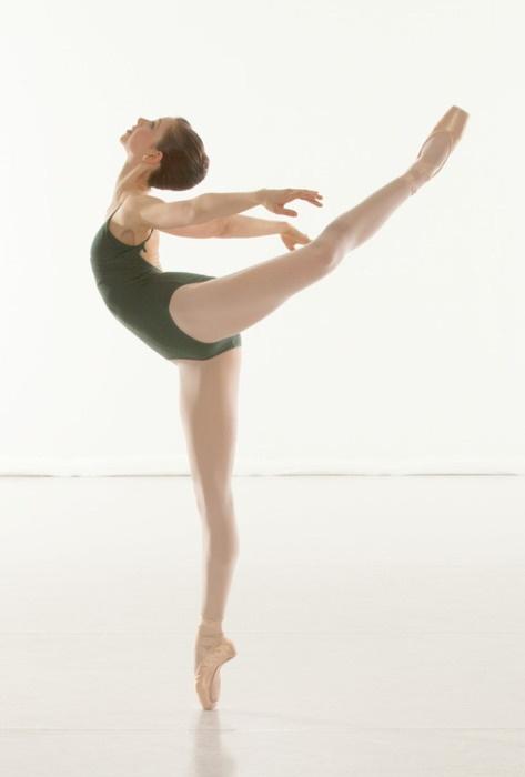 love the figure.: Dance Forever, Cakes Toppers, Ballet Dance, Goals Arabesque, Flexibility Photo, Dance Inspiration, Dance Flexibility, Dance Desire, Ballet Blog
