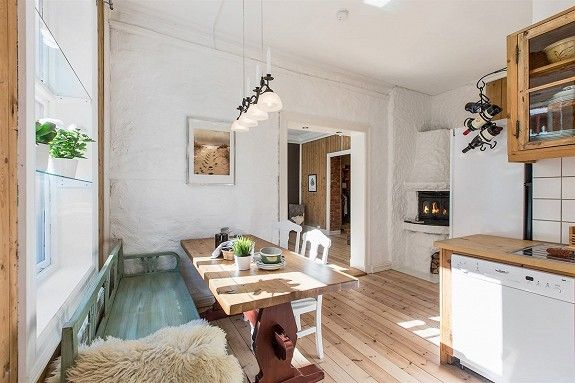 Norwegian kitchen - mismatched bench and chairs