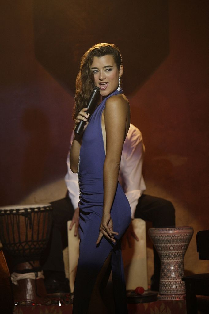 cote de pablo butt exposed